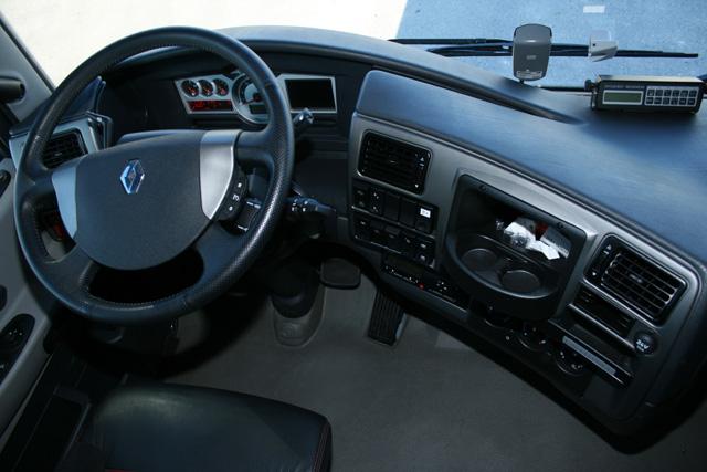 Nuevo camion renault magnum optifuel taringa for Interieur camion renault t