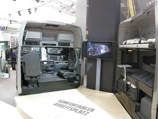 Uno de los secretos del FH al descubierto: el estupendo interior de su cabina de gran habitabilidad.