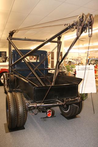 El eje trasero de ruedas gemelas fue uno de los primeros modos para transformar turismos en camiones.
