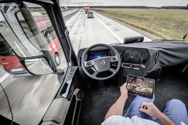 La conectividad a través de internet será fundamental en el trabajo del conductor de camiones.