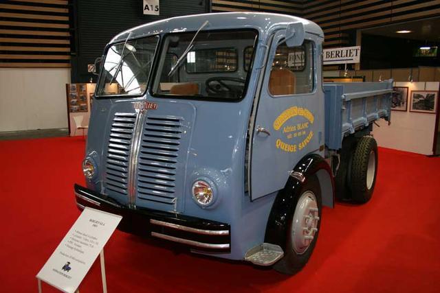 El GLA era un Berliet de la gama ligera, de 8 toneladas, aparecido en 1953.
