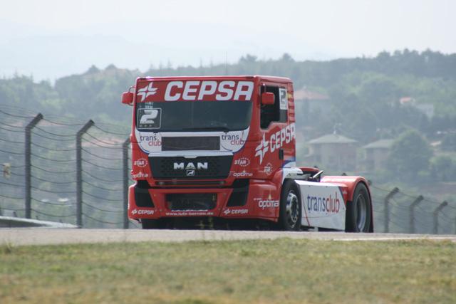 De nuevo el reto para Antonio Albacete es superar a su compañero de marca Jochen Hahn.