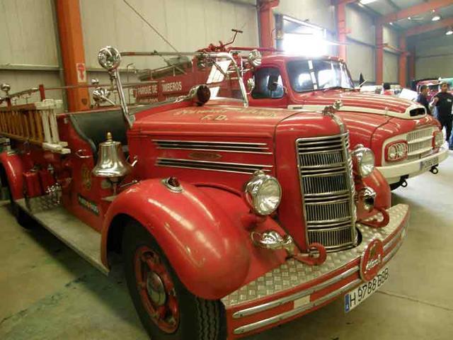 Mack estadounidense de bomberos de los años 40.