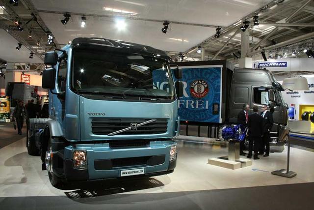 Las series FE y FM de Volvo cubren la gama media, de bajo peso en vacío y ajustados costes de operación.