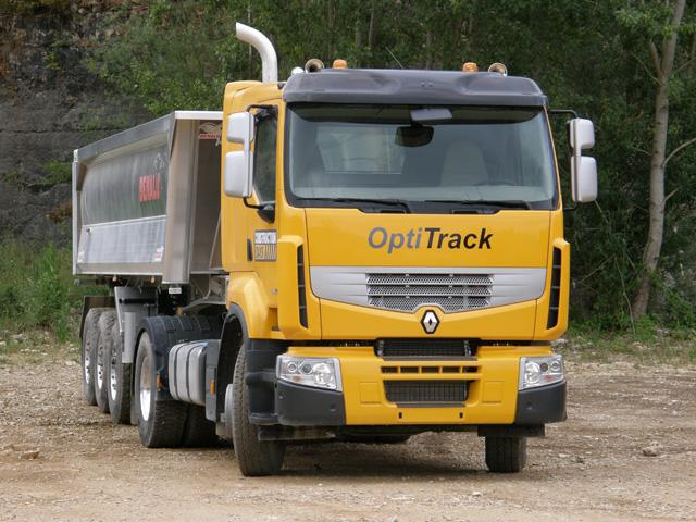 Con el Premium Lander Optitrack Renault Trucks ofrece costes de un camión de carretera y prestaciones todoterreno.