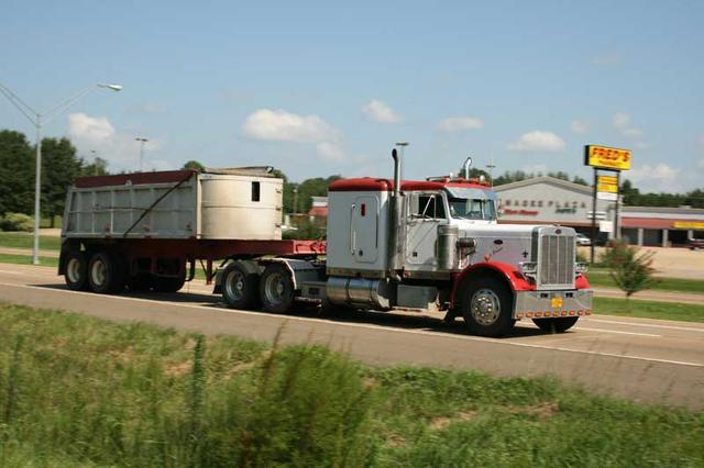 Hasta ahora el transportista americano está acostumabrado a elegir para su camión diferentes marcas de motores.