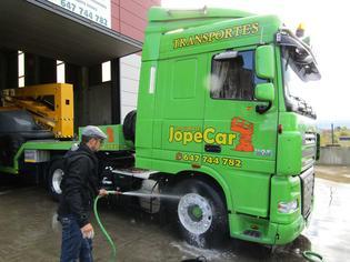 En Jopecar cuidan a sus camiones cada día e incluso en fin de semana