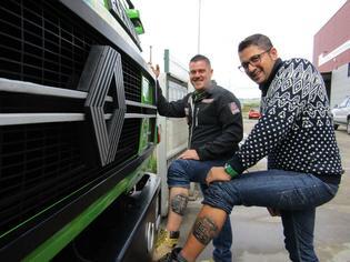 Ambos llevan tatuado el Renault D170