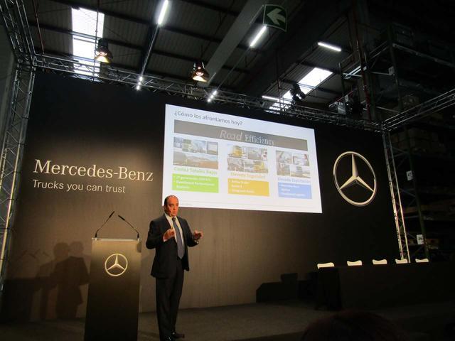 Ángel García Patiño es el responsable de Camiones Mercedes Benz España.