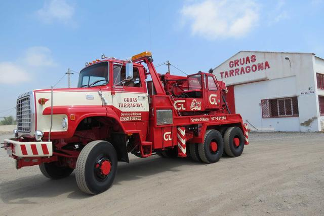 Al pie de la N-340 en las inmediaciones de Tarragona este camión sigue activo en perfecto estado, tras ser totalmente restaurado en 2006.