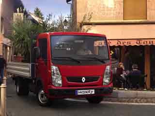 El Maxity es el chasis cabina ligero de Renault Trucks con cabina abatible.