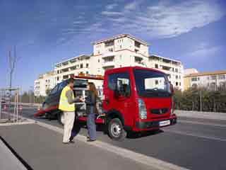 La aplicación de rescate de turismos en carretera es ideal para el Maxity.