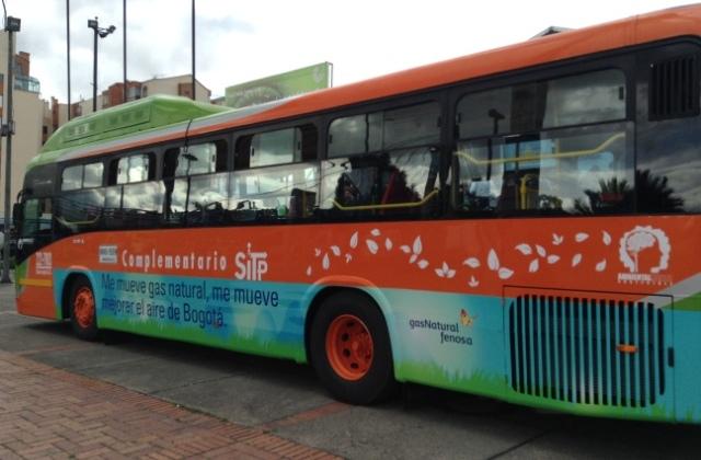 Llegan los autobuses a gnv para el transmilenio de bogot for Oficinas dhl colombia