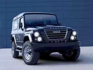 El Massif se ofrece en versiones tres, cinco puertas, pick up y chasis.