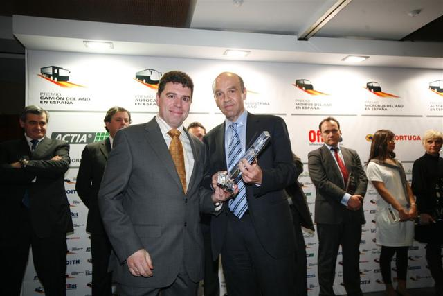 Premiados los veh culos industriales del a o 2011 en for Oficinas de dhl en madrid