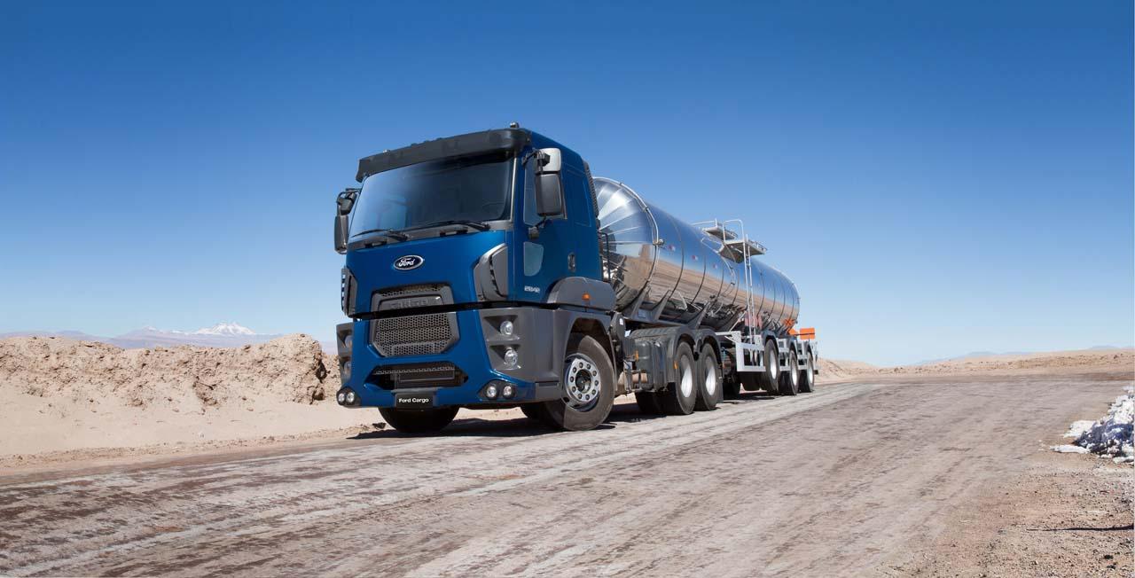 Camiones pesados en el mercado latino americano for Camiones ford interior