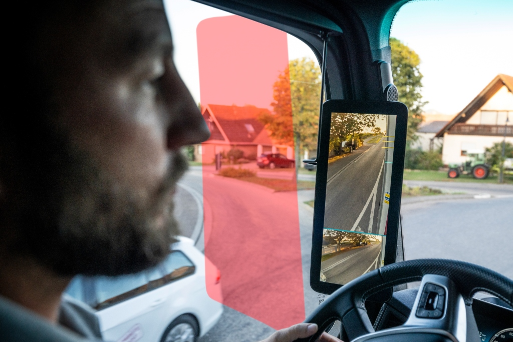 Seguridad en Mercedes-Benz Trucks