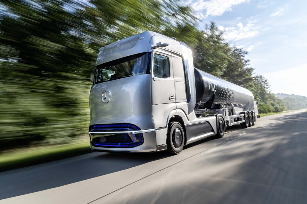 A lo largo de la próxima década el camión diésel desaparecerá en favor de vehículos como el Mercedes Benz Future Hydrogen Truck.
