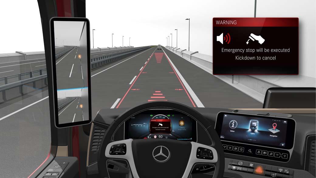 El puesto de conducción digital y las ayudas a la conducción protagonistas en los Actros y Arocs de Mercedes Benz Trucks.