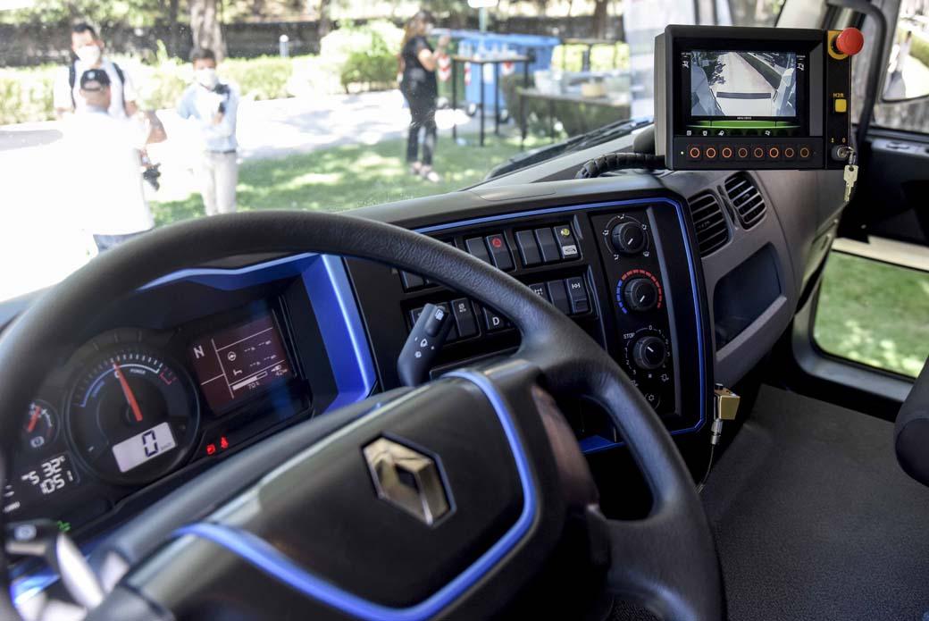 Cuadro de mandos del Serie D Wide Z.E. de Renault Trucks.