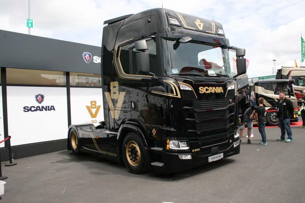 La llegada de la Serie S de Scania sumó una cabina de piso llano a la máxima potencia de sus V8.