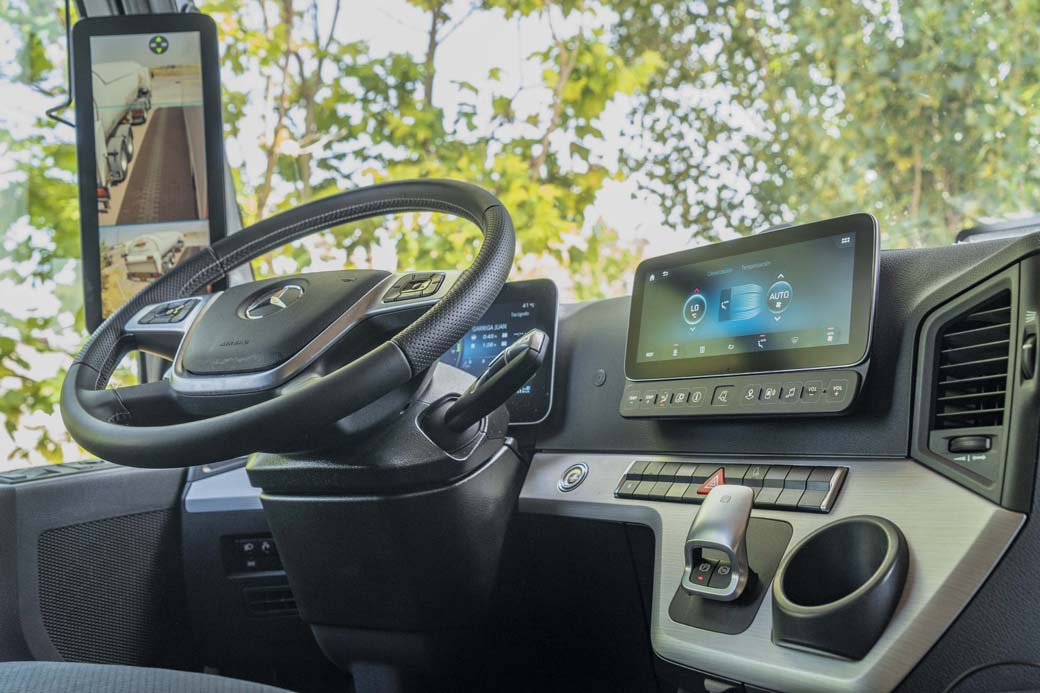 La presencia de las Mirror Cam mejoran tanto la conducción como la eficiencia aerodinámica del MB Actros.
