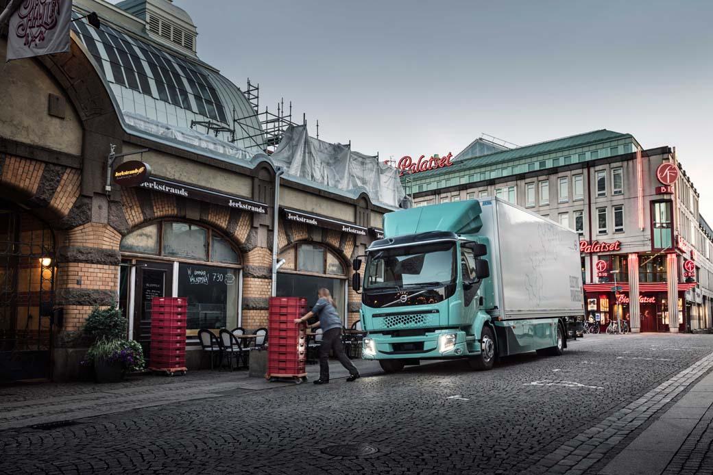 Volvo FL Electric un camión cero emisiones para el reparto urbano.
