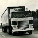Tractora Ford W-1000 con motor turbina de gas en su gira de exhibición de 1968 por el Reino Unido.