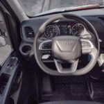 Puesto de conducción del Iveco Daily 35S14 NP con caja de cambios automática HImatic.