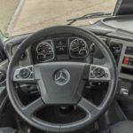 Puesto de conducción del Mercedes Benz Atego 1230 L 4X2.