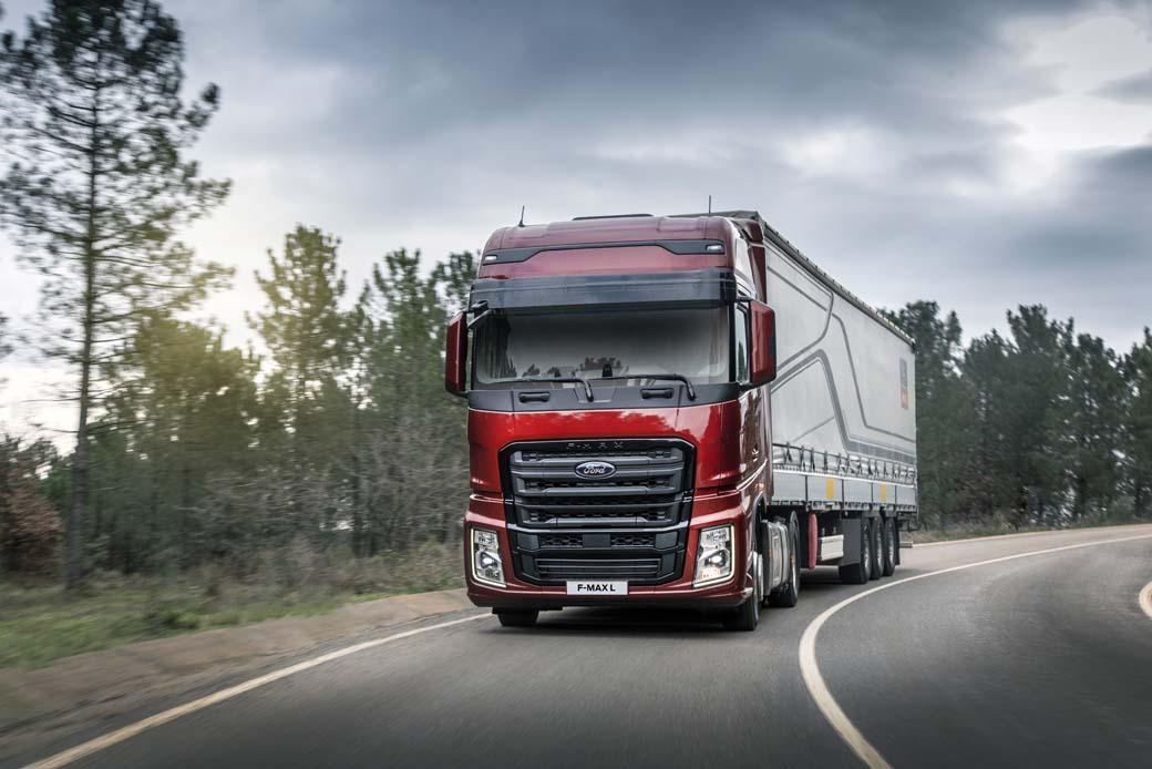 F-MAX L la nueva versión de Ford Trucks con mayor capacidad de gasóleo y modo ECO de máximo ahorro.
