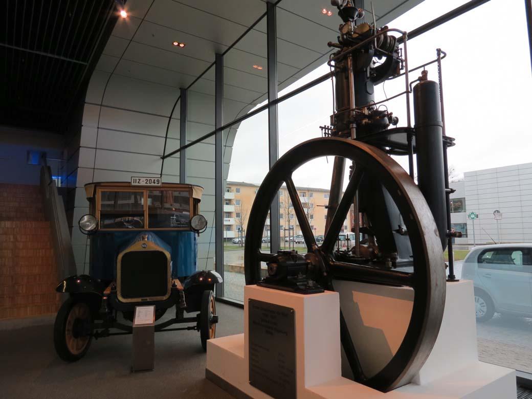El primer motor estacionario Diesel era mayor que un camión y no resultaba apto para vehículos.