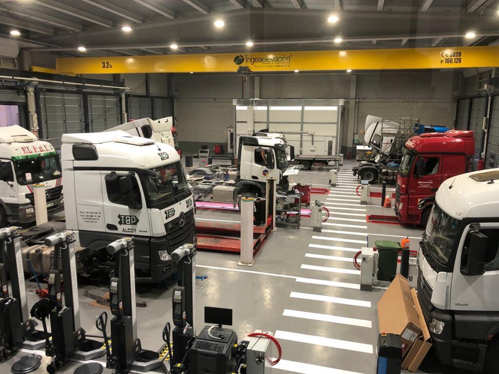 Levante Trucks inaugura un centro Mercedes-Benz