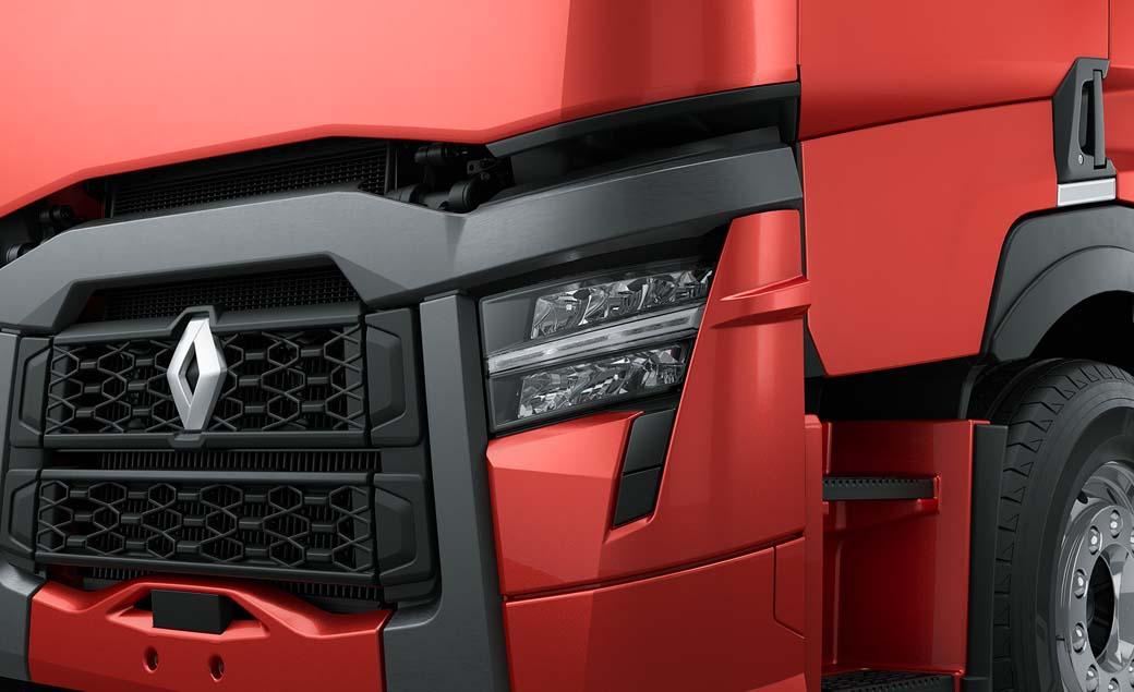 La nueva gama pesada 2021 Renault Trucks TCK se presenta en versión online.