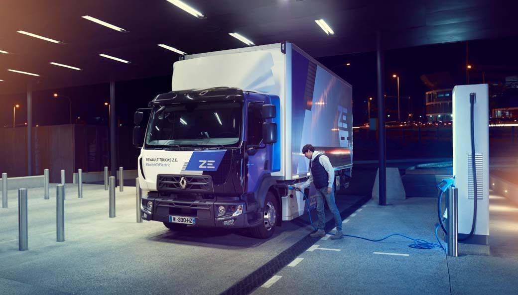 Renault Trucks a través de la familia ZE ya ofrece soluciones eléctricas para distribución urbana de hasta 26 toneladas de MMA.