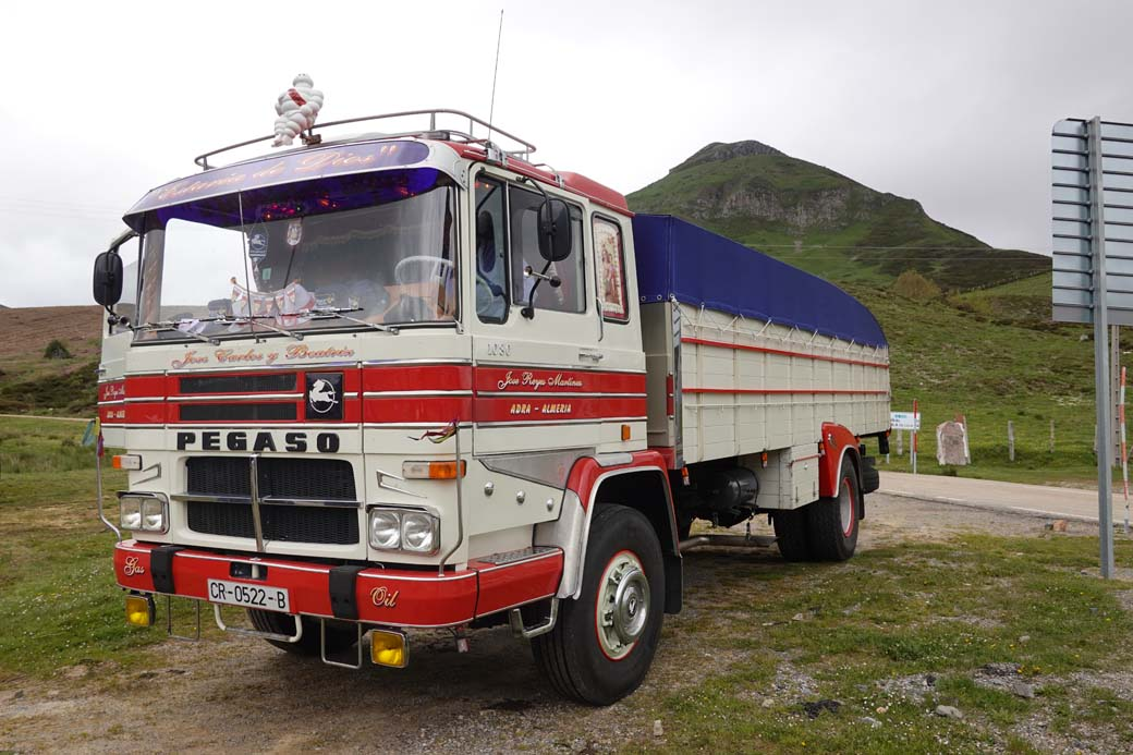 """Pegaso """"Cabina Cuadrada"""" 1080 un camión clásico del transporte español aparecido en 1972 con 260 CV gracias al turbo."""