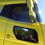 La puerta con doble ventanilla conserva el cristal abatible en la ventanilla superior en los XF y XG.