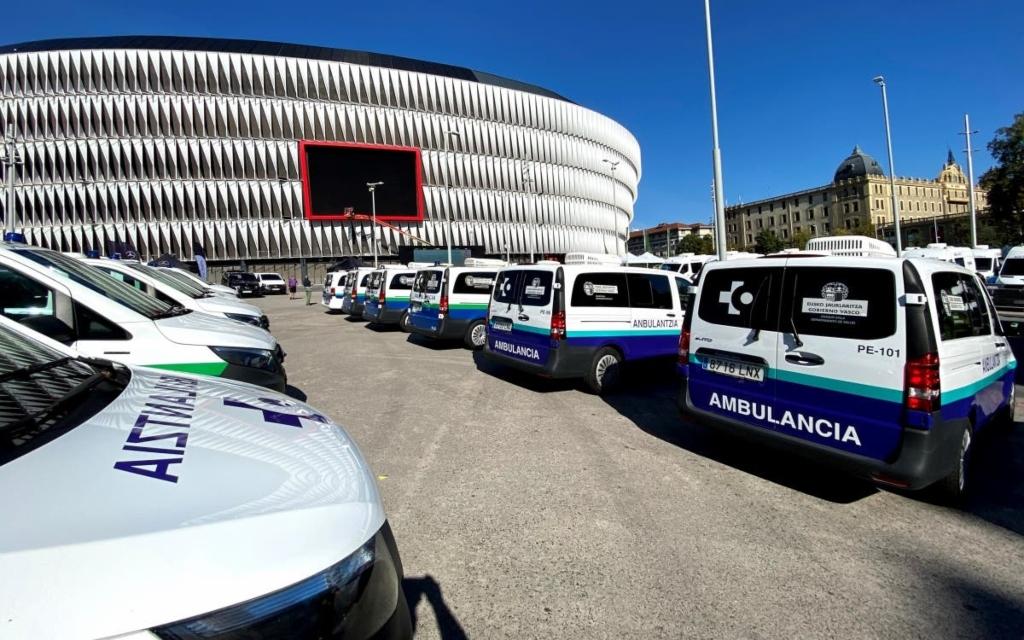 Mercedes-Benz entrega ambulancias eléctricas