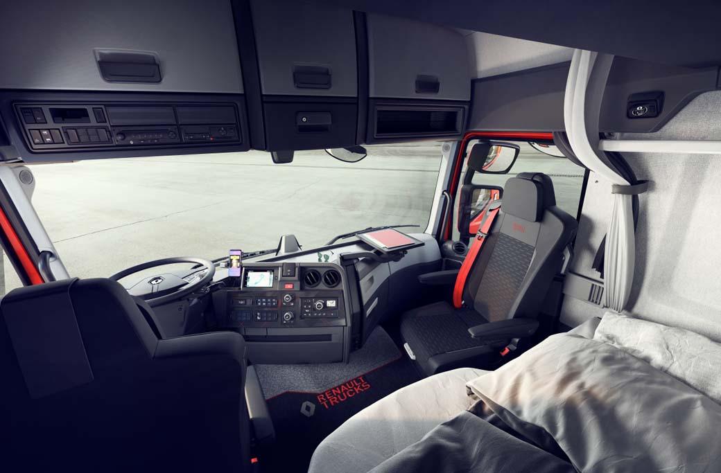 La zona de descanso en los Renault T, T-High, C y K ahora cuenta con una cama más confortable.